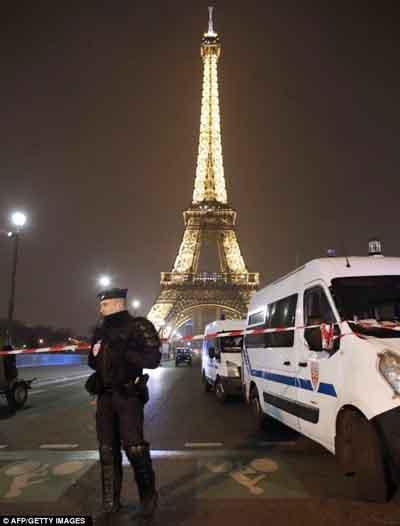 Terror Bom Menara Eiffel