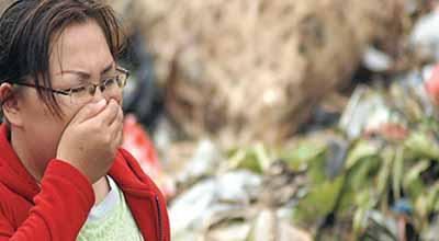Bau Sampah di TPST Cipeucang