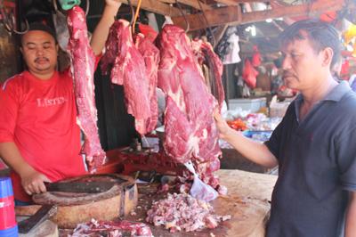 Pedagang Daging di Pasar Ciputat