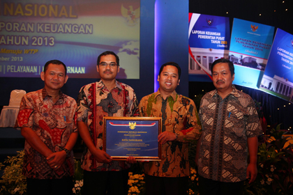 Wakil Walikota Tangerang terima penghargaan WTP