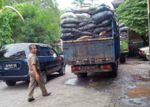 Truk Sampah Kota Tangerang