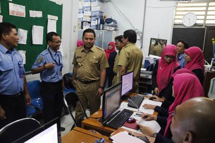 Walikota Tangerang Sidak PDAM Tirta Benteng