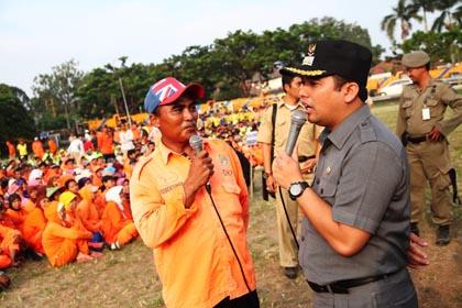 Arief Dengar Keluh Kesah Pekerja Kebersihan