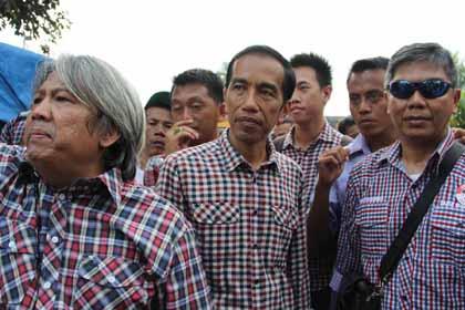 Capres RI Joko Widodo berkunjung ke Pasar Ciputat.(fit)