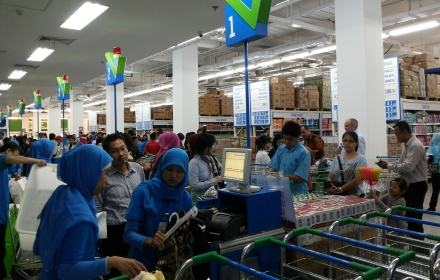 Pusat grosir di Kota Tangerang, SaveMax.(man)