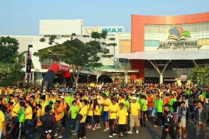 Jalan Sehat 'Green Walk' di Gading Serpong.(hms)