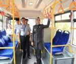 Walikota Tangsel menjajal armada Trans Jabodetabek.(hms)