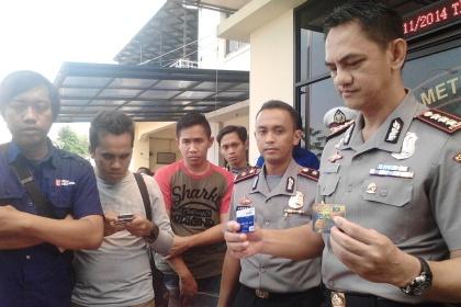 Kapolresta Tangerang pamerkan barang bukti.(rul)