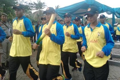 Tim XI pembawa Api Obor Porprov Banten tiba di Tangsel.(one)