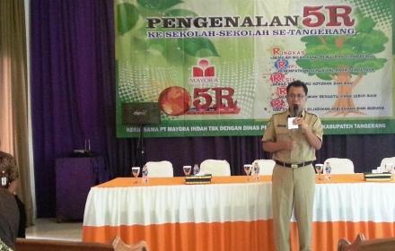 Sekda Kota Tangerang saat Pengenalan 5R.(hms)