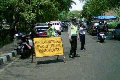 Razia gabungan di Kota Tangerang.(fer)
