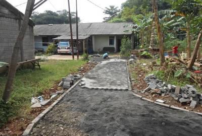 Pembenahan Jalan Bakti Jaya di Setu.(one)