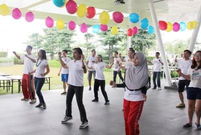 Kegiatan aerobic pada perayaan HUT Novotel Tangerang.(man)