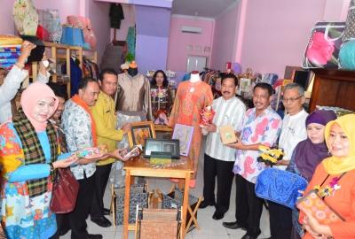 Opening Toko ASIPA di Pamulang.(man)