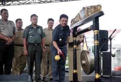 Wakil Walikota saat menutup Tangerang Expo.(hms)
