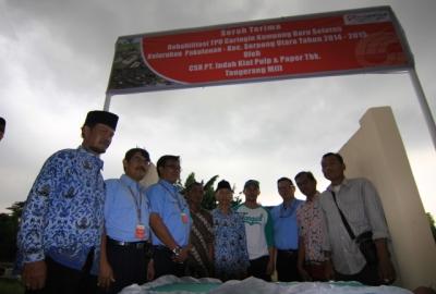 Seremoni serah terima bantuan CSR di Serpong Utara.(kie)