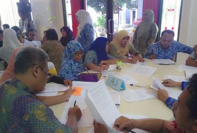 Diskusi antar-peserta pelatihan.(hms)