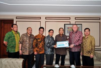 Tokio Marine Life Insurance Indonesia (TMLI) Sumbang Dana Kemanusiaan untuk Nepal