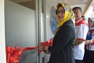 Walikota Tangsel meresmikan Klinik Pratama. (ymw)