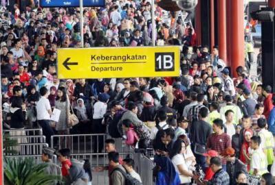 Arus mudik di Bandara Soekarno Hatta. (bbs)