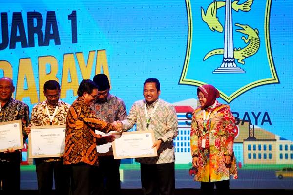 Pemerintah Kota Tangerang Terima Anugerah Kota Cerdas 2015