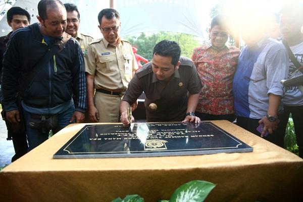 Walikota Tangerang saat meresmikan Taman Potret. (ist)