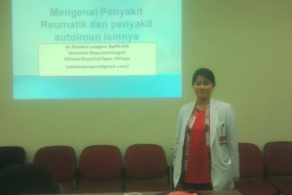 dr Sandra Sinthya Langow. (bud)