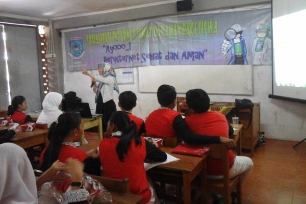 Sosialisasi internet sehat di SMPN 14 Tangsel. (zi)