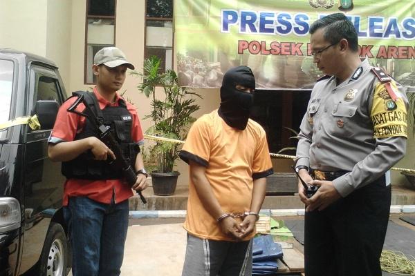 Kapolsek memintai keterangan tersangka curanmor asal Bogor. (one)