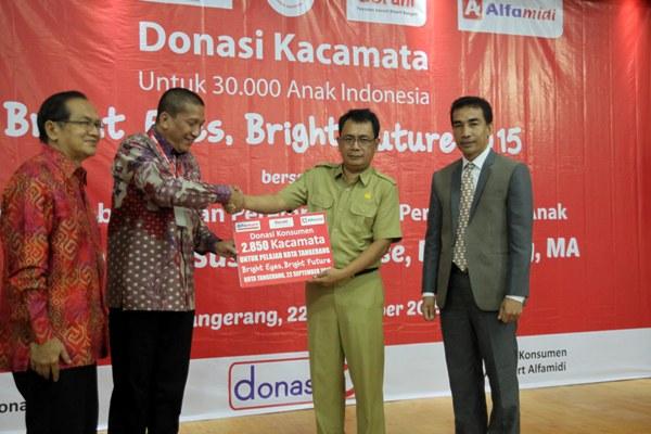 Donasi kacamata gratis di Kota Tangerang. (ist)
