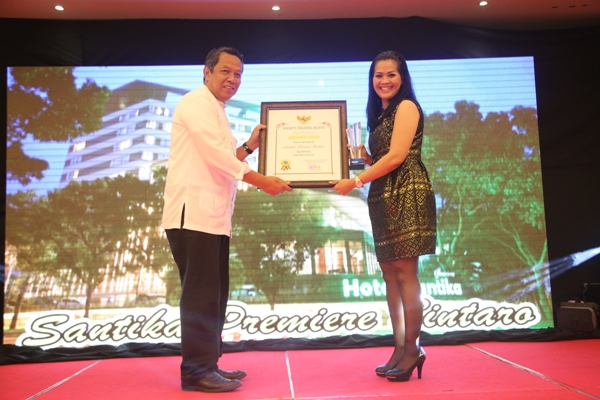 Pemberian penghargaan Adhikarya Wisata pada 2014 silam. (man)