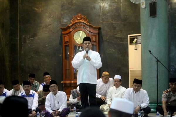 Walikota Tangerang memberikan sambutan pada pembukaan Festival Al Azhom. (ist)