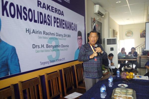 Benyamin Davnie saat Rakerda DPD Partai NasDem Kota Tangsel. (jok)