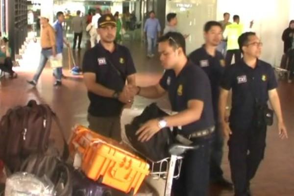 Tim DVI Mabes Polri tiba di bandara Soekarno Hatta. (don)