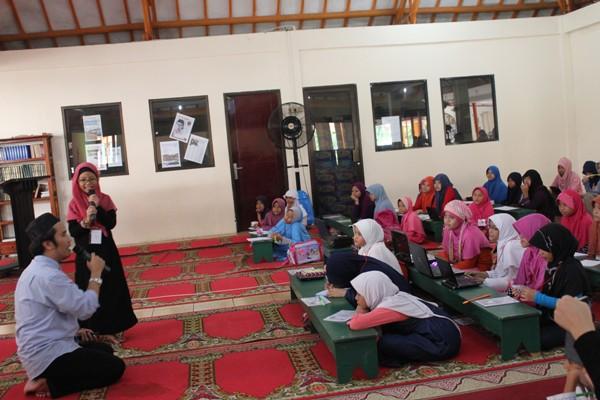 Suasana di Masjid Al Hakim BSD. (bung)