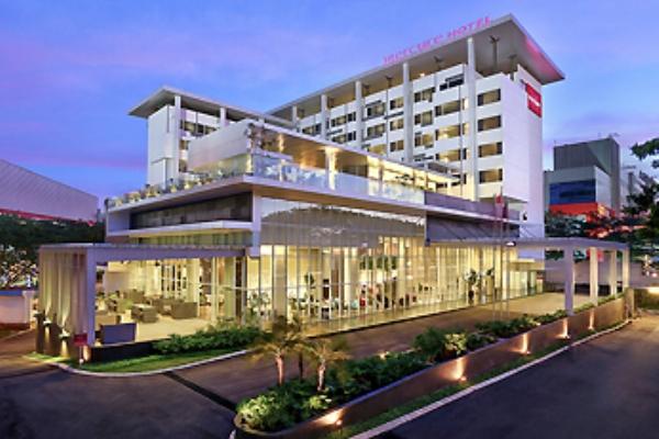 Hotel Mercure. (bbs)