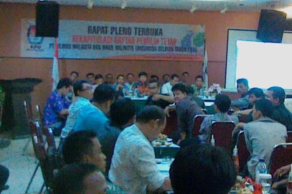 Rapat Pleno DPT KPU Tangsel. (bbs)