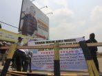 warga blokir perumahan south city di pamulang