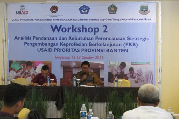 Sekretaris Dinas Pendidikan Banten, Rukman Teddy membuka workshop kedua PKB. (ist)