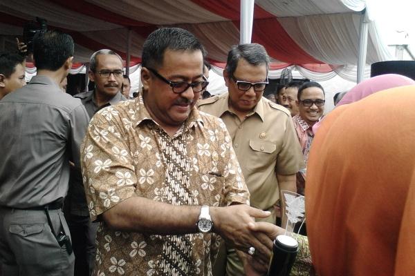Gubernur Banten, Rano Karno dalam kunjungannya ke Tangsel. (dok)