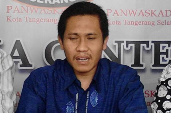 Ketua Panwaskada Tangsel, M Taufiq MZ. (one)
