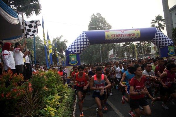 Ribuan peserta ramaikan Tangerang 10K Run. (ist)