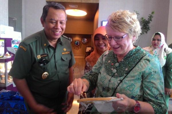 Walikota Timra, Swedia, Eva Lungstradt saat berkunjung ke Tangsel. (man)