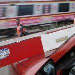 """Dua Kali Tertimpa Palang Pintu Lintasan Kereta Jombang"""