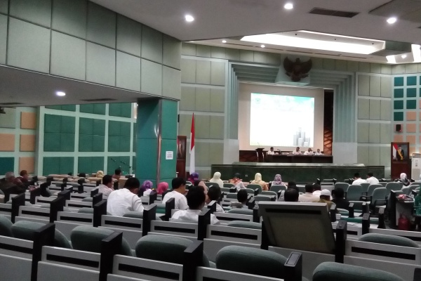 Suasana seminar pelatihan jurnalistik dan KIP di Puspiptek. (one)
