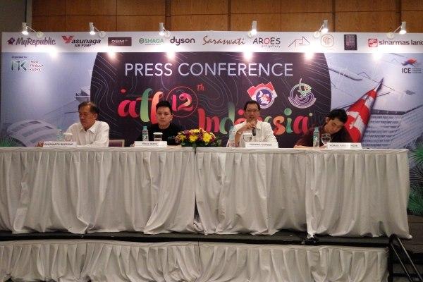 Panitia All Indonesia Koi Show 2015 saat press conference di ICE BSD City. (man)