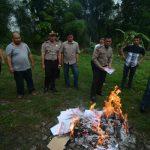 Ribuan Surat Suara Pilkada Tangsel Dibakar