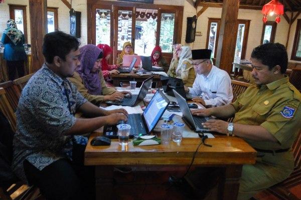Suasana pelatihan jurnalistik bagi guru yang digelar USAID. (man)