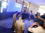 Walikota Tangerang saat meninjau pembangunan Command Center