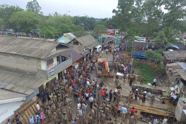 Suasana penertiban RPH Budi Asih di Kota Tangerang. (ist)